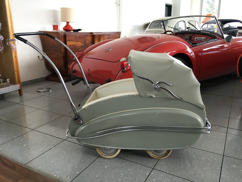 Kinderwagen helvetia aus den 50er jahren for Sessel aus den 50er jahren