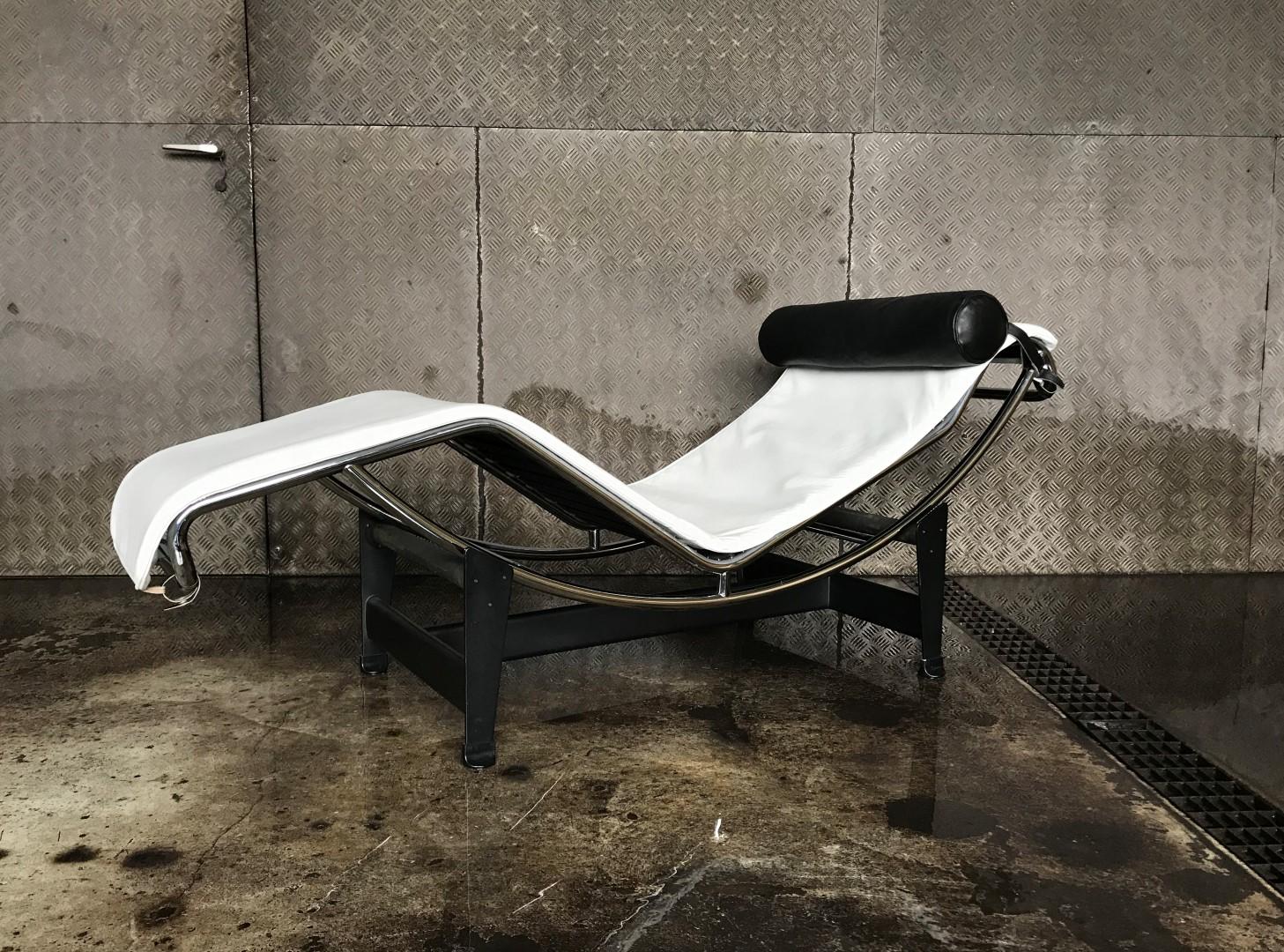vintage le corbusier lc4 liege cassina. Black Bedroom Furniture Sets. Home Design Ideas