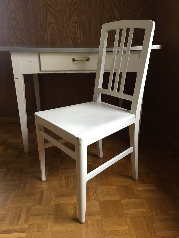 mit stuhl elegant jankel adler akt mit stuhl und rotem tuch with mit stuhl finest frau mit. Black Bedroom Furniture Sets. Home Design Ideas